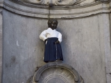 Manneke pis in Aikido kleding